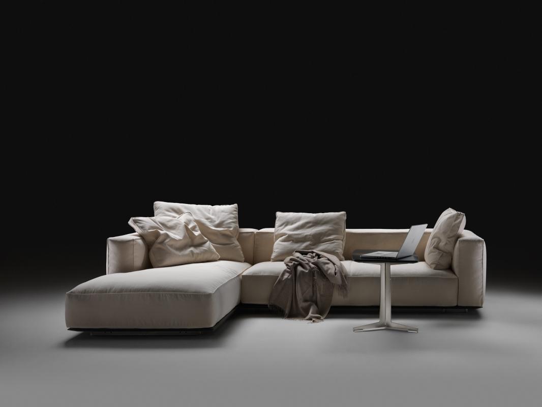 Caslini arredamenti prodotti for Rivestimento divani flexform